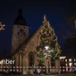 Adventskalender & Baum vor der Kirche Dörzbach